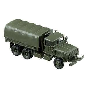 Herpa Miliary HO US/NAO M929 6x6 Cargo/Personnel Carrier