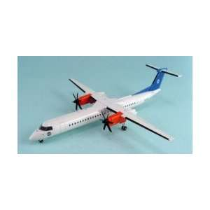 Jet X SAS & House Dash 8 Q400 Model Airplane Toys & Games