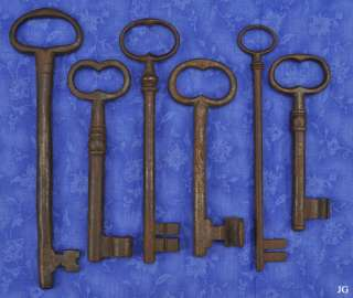Lg Antique Old Cast Iron 17th 18th Century Jail Skeleton Keys opean