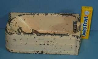 OLD ARCADE TOY CAST IRON CRANE BATHTUB 1 3/4 HIGH CI383
