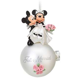 DISNEY PARKS Wedding Minnie and Mickey Mouse BRIDE AND GROOM Ornament