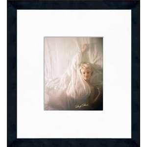 Marilyn Monroe   Hiding   Framed 8 x 10 Photograph Sports