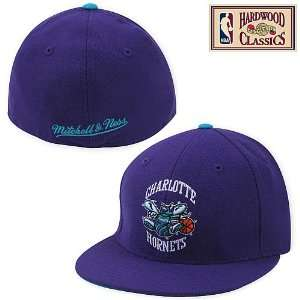 Mitchell & Ness Charlotte Hornets Hardwood Classics Logo Fitted Hat