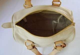 298 Michael Kors Grayson Small Leather Satche Vanilla
