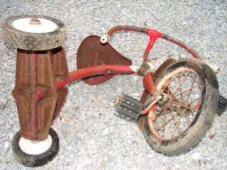 VINTAGE/ANTIQUE SHABBY LOOKING CHILDS TRICYCLE