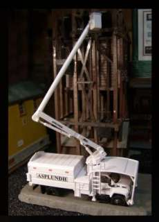 87 HO Scale GMC Custom Tree Trim Bucket Truck ASPLUNDH