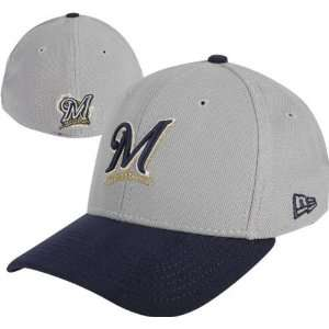 Milwaukee Brewers Gray Max Flex Fit Hat: Sports & Outdoors
