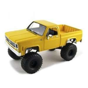 1973 1975 Chevrolet K10 Silverado Diecast Car Model 1/24 Chrome Yellow