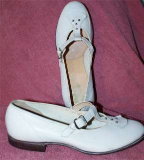 GIRLS VINTAGE WHITE LEATHER DATERS BABY DOLL SHOES 4 B